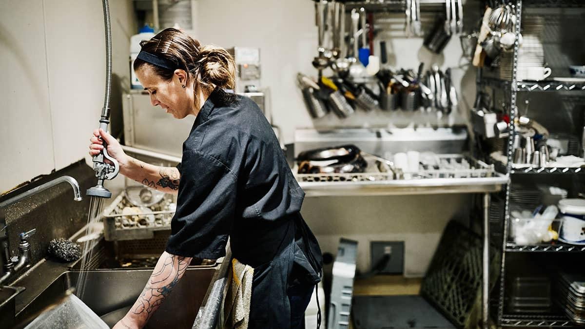 Kitchen Assistant Kitchen Attendant Job Description Caterer Com